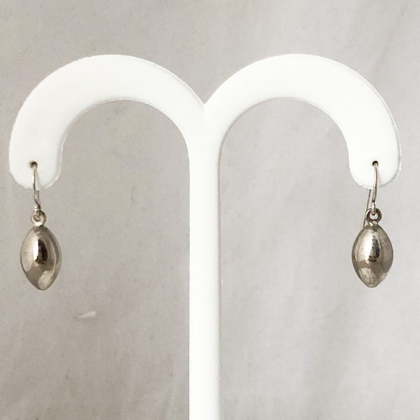 SS Hooks with Almond Shaped Dangles  SI0193