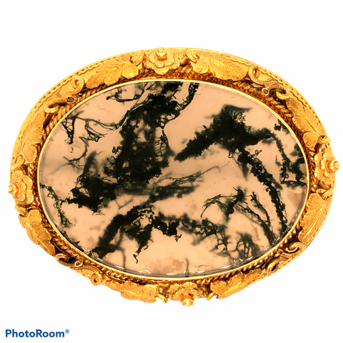 14K Yellow Gold Ornate Frame with Prehistoric Moss Resin
