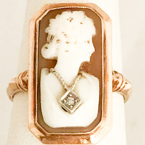 10K Yellow Gold Long Cameo Ring   CR0133