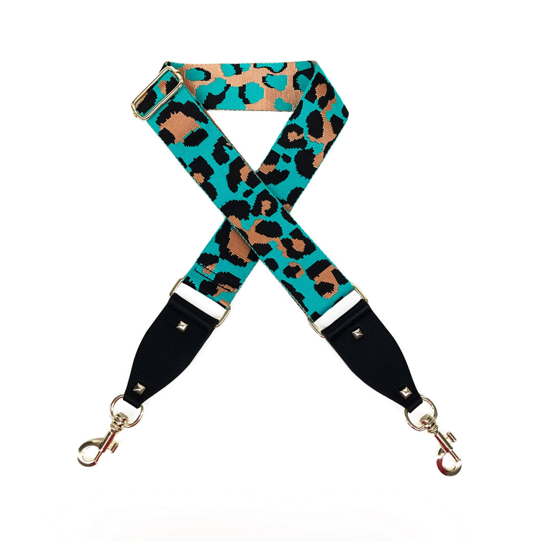 Cheetah in Aqua