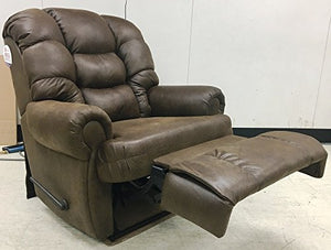 1407-04-22 Lane Stallion Wallsaver Big Man Comfortking Recliner. Rated for Weights of up to 500 lbs. Extended Lenght 79 inches. Free Curbside Delivery. (Fabric)