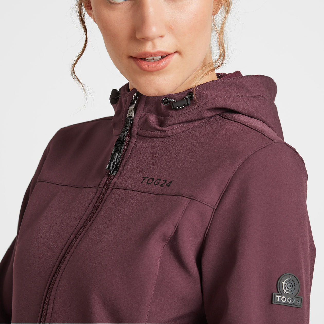 Keld Womens Softshell Hooded Jacket - Deep Port image 4