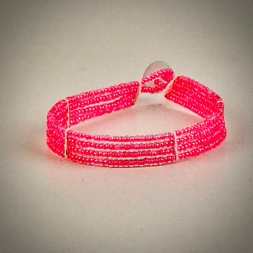 Massai-Armband mit Knopf / one color pink