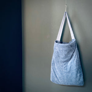 MagicBeachBag -dark blue & white stripes / dark grey towel