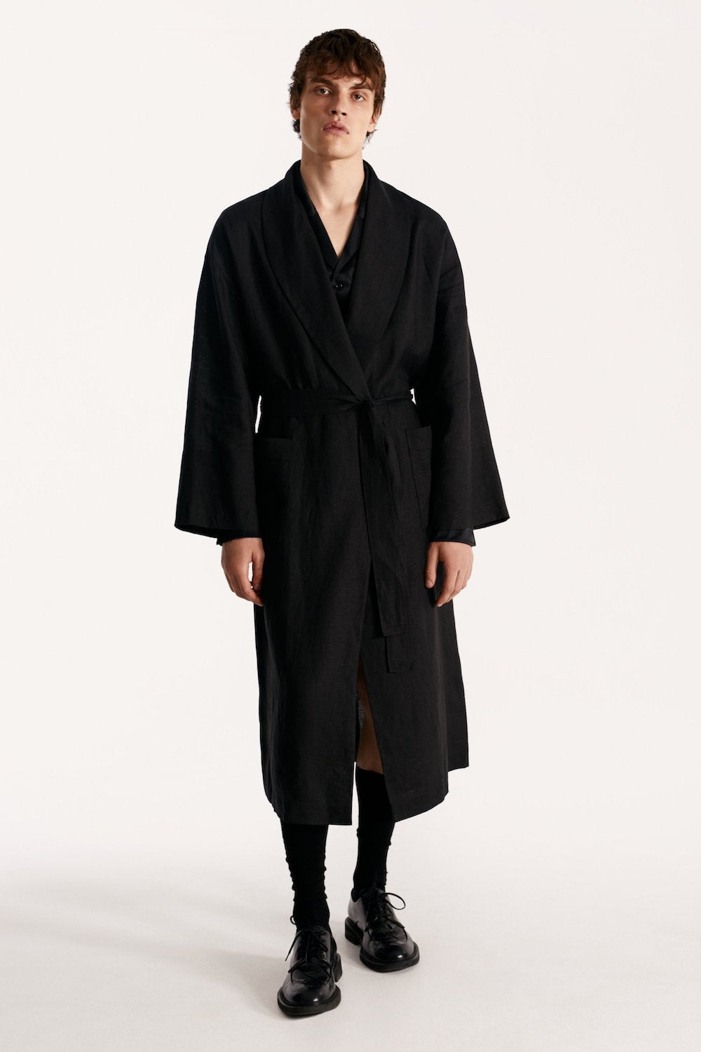 Men linen robe in black