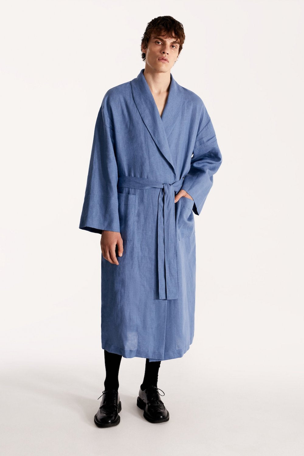 Men linen robe in blue
