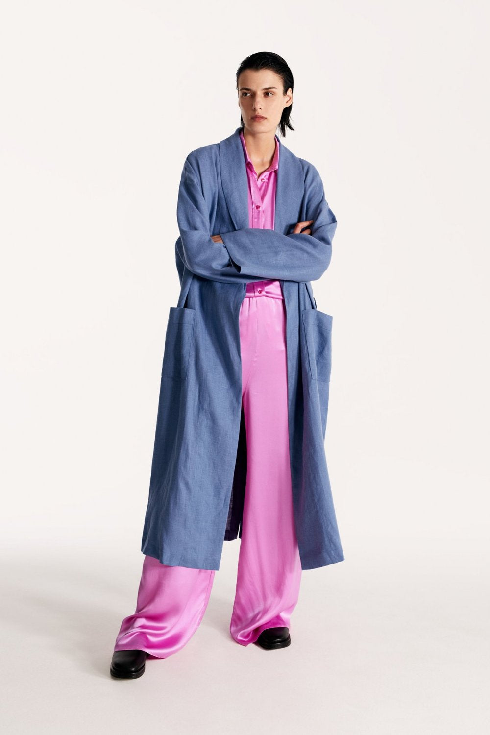 Basic linen robe in blue
