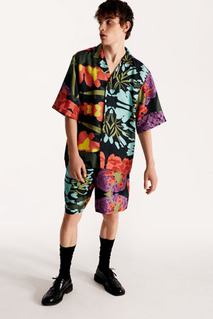 Men short-sleeved shirt in floral black
