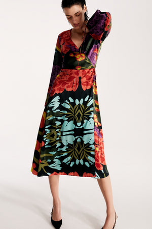 Wrap silk dress in Floral Black