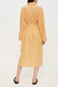Basic linen robe in ochre