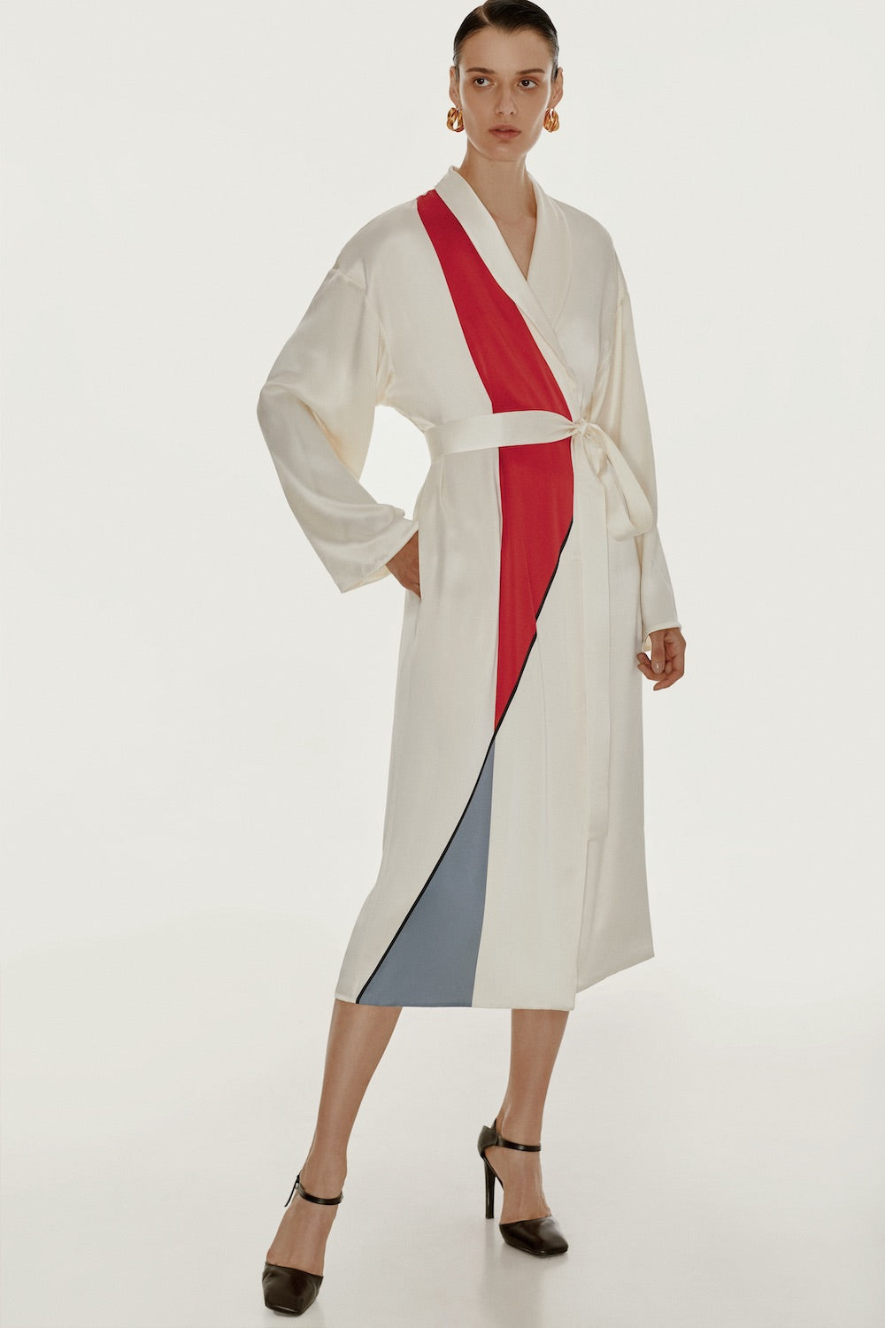 Reversible white robe