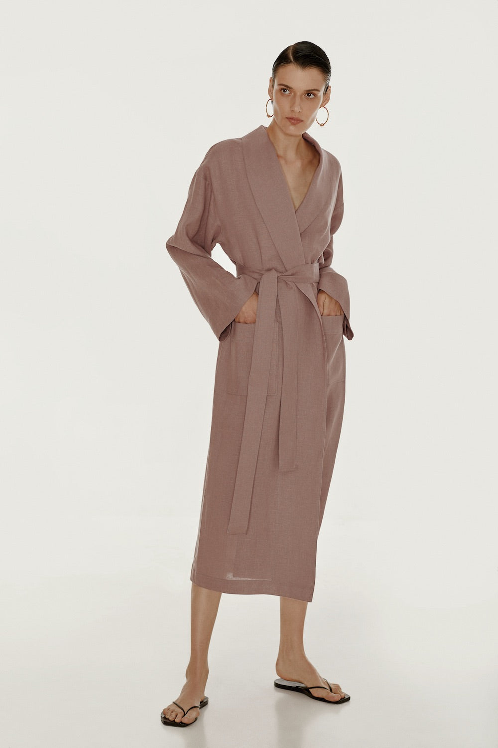 Basic linen robe in lilac
