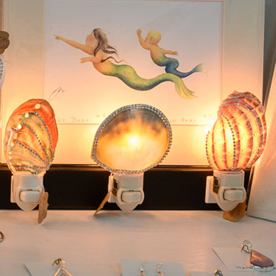 Merchant Spotlight: Decorated Seashell Night Lights