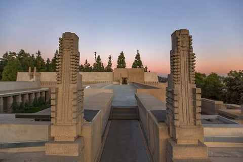 Hollyhock House (1919-1921)
