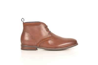 FLORSHEIM CUMULUS PLAIN TOE CHUKKA BOOT TAN