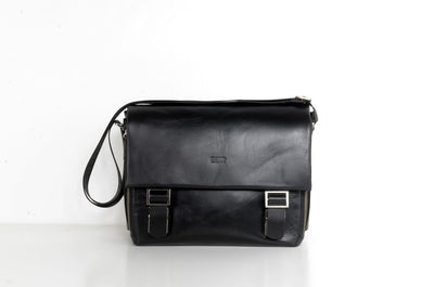 BOND 1379 LEATHER BAG BLACK