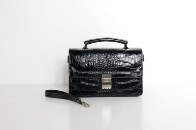 BOND 1021 LEATHER CLUTCH BAG BLACK