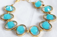 Load image into Gallery viewer, Oval gold frame bracelet