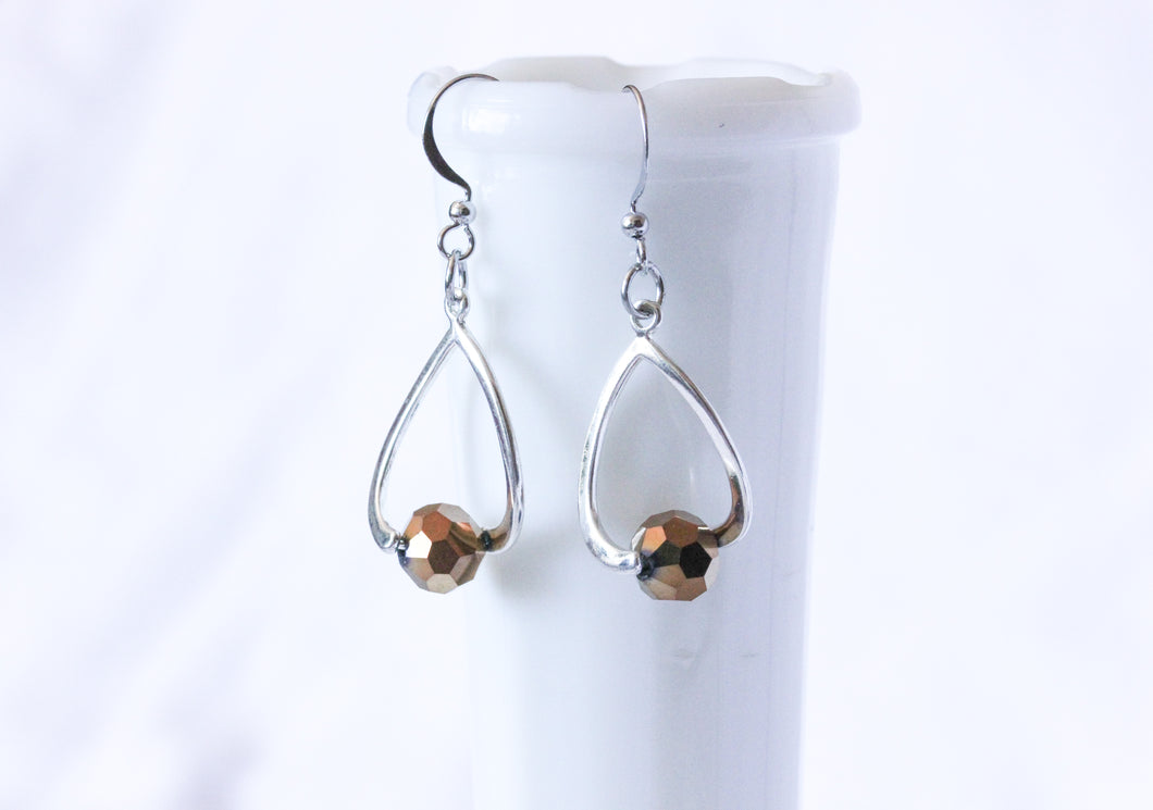 Curvy earrings - silver with copper crystals