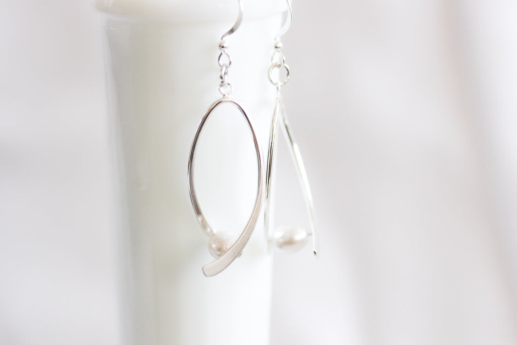 Ribbon twist earrings - silver