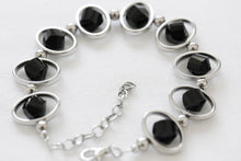 Load image into Gallery viewer, Oval silver frame bracelet