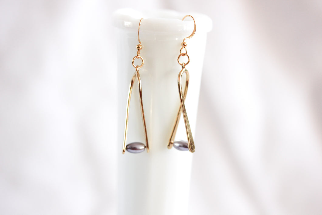 'A little bent' earrings - gold