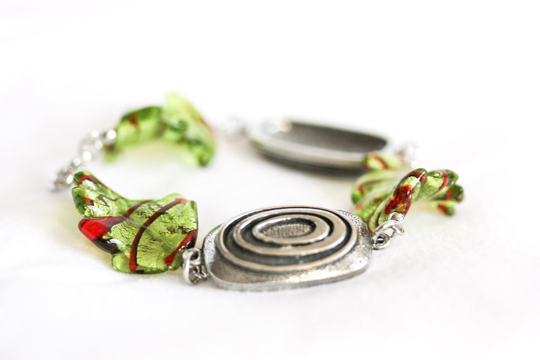 Twisted leaf bracelet