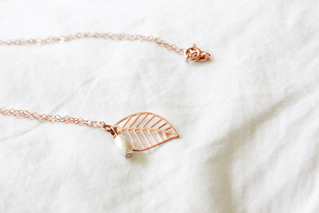 Rose gold leaf and pearl necklace