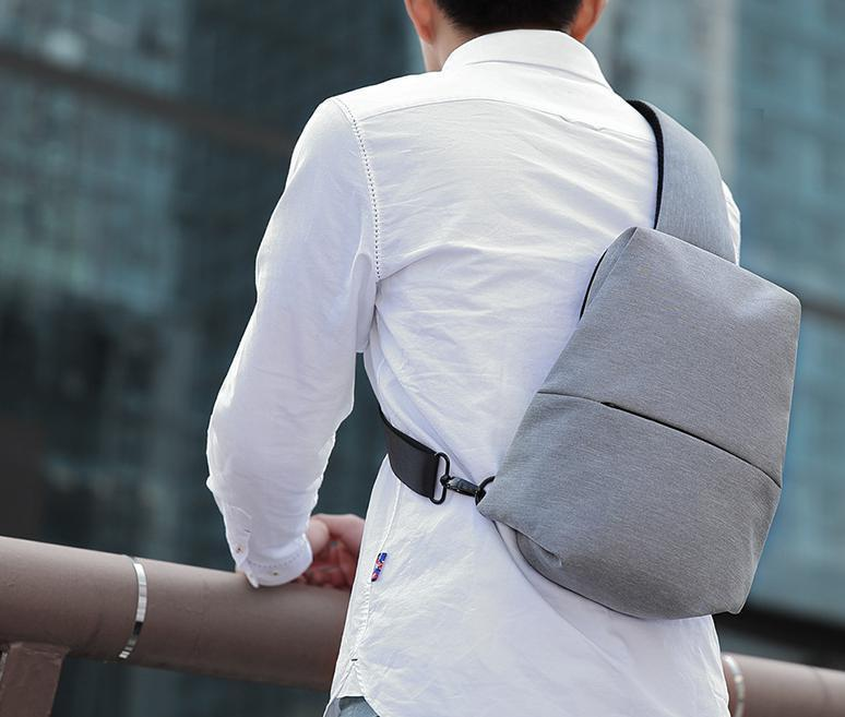 Multi-layer storage riding chest bag Messenger bag
