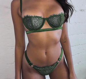 Two Piece Lace Bra And Panty Lingerie Set - Green