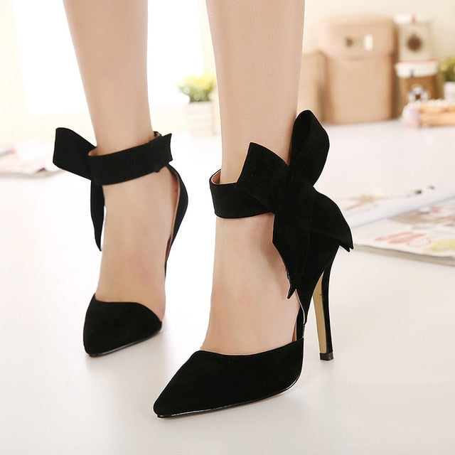 Big Bow Pointed Toe Pumps - SaltyandCozy