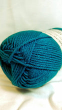 Load image into Gallery viewer, TEAL Impeccable Yarn by Loops & Threads - Worsted #4 - 277 yds / 4.5 oz - Acrylic