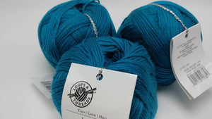 LAGOON Colorway of DK Joy Yarn Ball by Loops & Threads - #3 Light  3.5oz/100g - 273 Yds/250m - Anti-pilling Acrylic, Incredibly Soft!