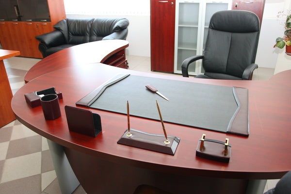 How to Choose Suitable Office Desks for the Happy Employees at Work