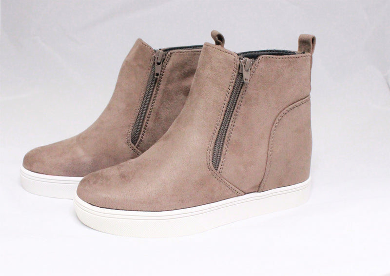 Hunt Taupe Bootie