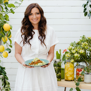 How to Eat like a Nutritionist: My Day on a Plate with Lee Holmes