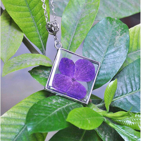 Rhombus-Shaped Pendant Necklace with Hand-Pressed Purple Hydrangea
