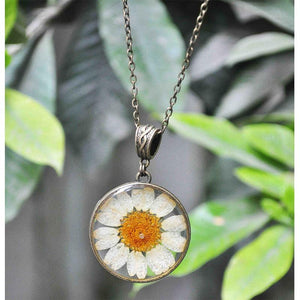 Round Pendant Necklace with Hand-Pressed White Daisy