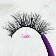 Load image into Gallery viewer, LashyBox Cake Silk Lashes