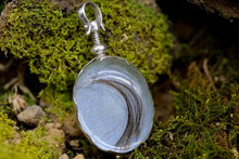 Load image into Gallery viewer, Heritage Glass Locket