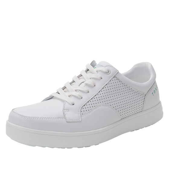 Baseq White smart shoes with Q-chip™ technology. BAS-M7100_S1