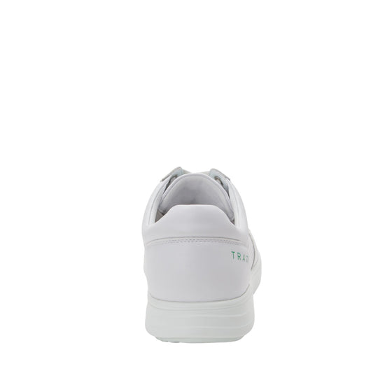 Baseq White smart shoes with Q-chip™ technology. BAS-M7100_S3