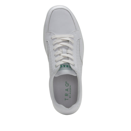 Baseq White smart shoes with Q-chip™ technology. BAS-M7100_S4