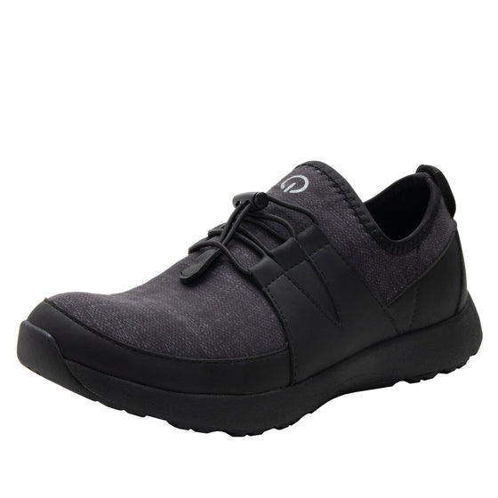 Cynch Black smart shoes with Q-chip™ technology. CYN-5001_S1