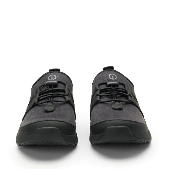 Cynch Black smart shoes with Q-chip™ technology. CYN-5001_S7