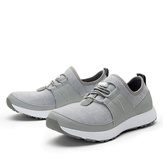 Cynch Dove smart shoes with Q-chip™ technology. CYN-5031_S2