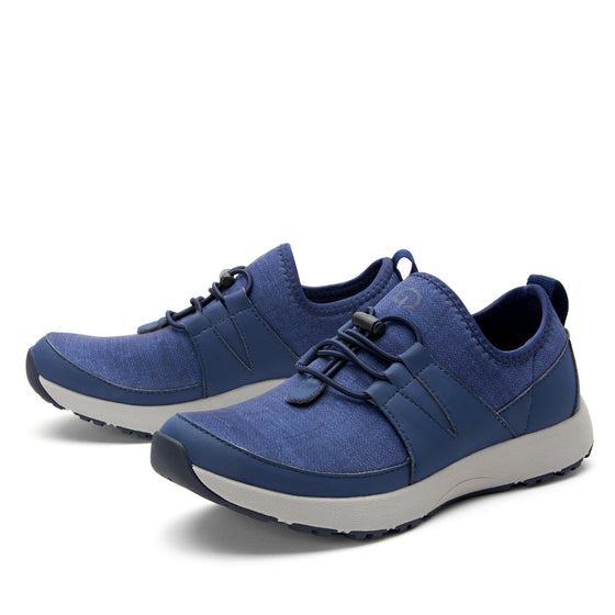 Cynch Indigo smart shoes with Q-chip™ technology. CYN-5431_S2