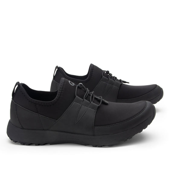 Cynch Black lace up smart shoes with Q-chip™ technology. CYN-M7001_S3