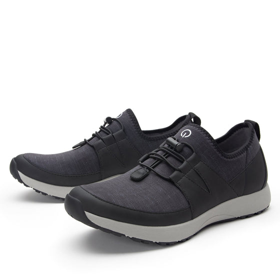 Cynch Pavement lace up smart shoes with Q-chip™ technology. CYN-M7031_S2