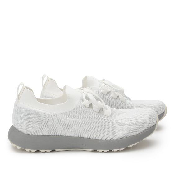 Froliq Zesty White smart shoes with Q-chip™ technology. FRO-5100-S3